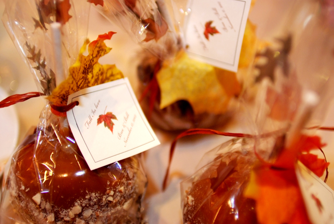 Just wenderful event planning and design tags everywhere for Candy apple wedding favors